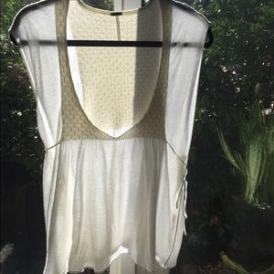 Forever 21 Tops - Forever 21 lace swing top L